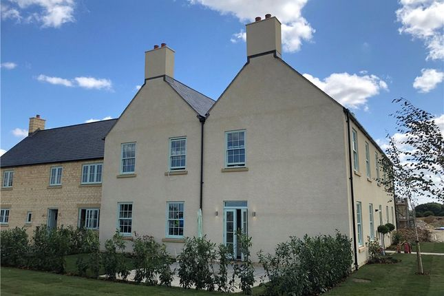 Thumbnail Flat for sale in 2 Meadowbank, Little Windrush, Burford, Gloucestershire
