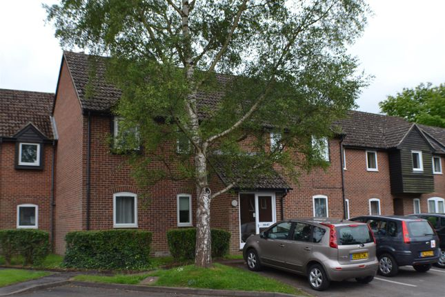 Thumbnail Flat for sale in Eeklo Place, Newbury