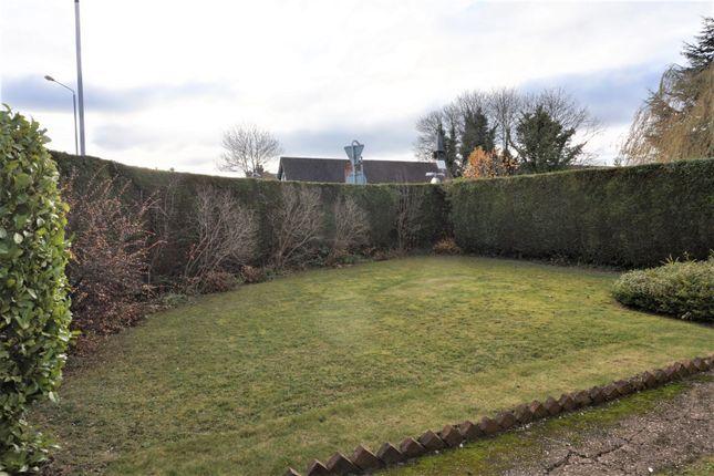 Side Garden of Doncaster Road, Oldcoates S81