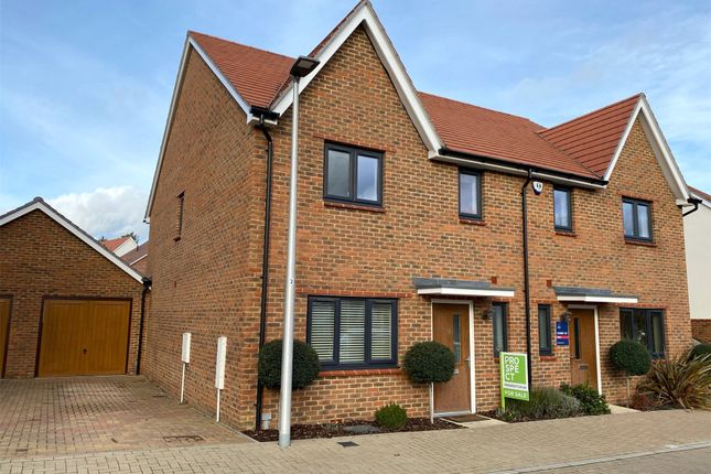 Picture No. 28 of Ambler Drive, Arborfield Green, Reading, Berkshire RG2