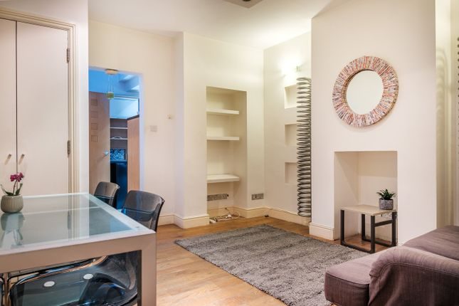 1 bed flat to rent in Vauxhall Walk, London SE11