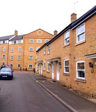 Thumbnail Terraced house to rent in Wickham Crescent, Braintree