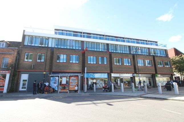 Thumbnail Flat for sale in Park Street, Luton