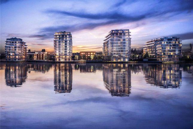 Picture No. 06 of River Gardens Walk, London SE10