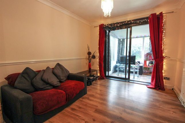 Sitting Room of Chesterfield Road, Scunthorpe DN15