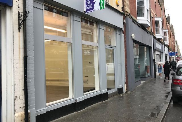 Thumbnail Leisure/hospitality to let in Holton Road, Barry