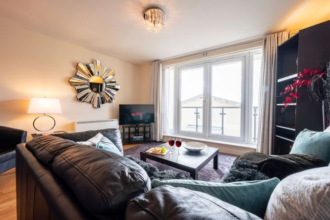 Thumbnail Flat to rent in Bute Crescent, Cardiff