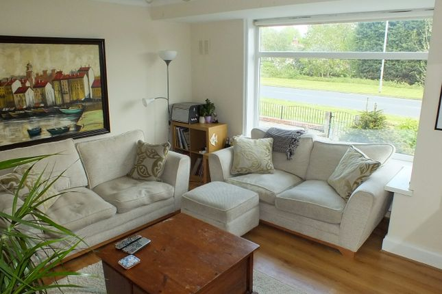 Thumbnail Terraced house to rent in Broadway, Horsforth, Leeds