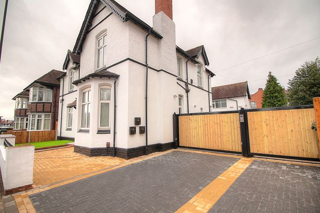 Thumbnail Flat for sale in Binley Road, Binley, Coventry