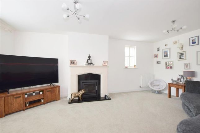 Thumbnail Detached house for sale in Appleton Close, Clanfield, Waterlooville, Hampshire
