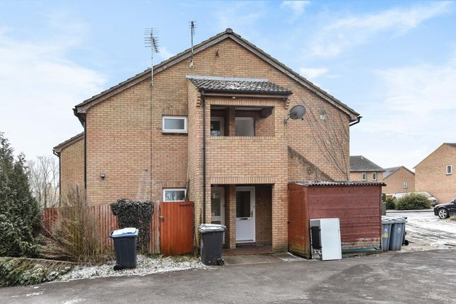 Thumbnail Studio to rent in Heather Close, Carterton