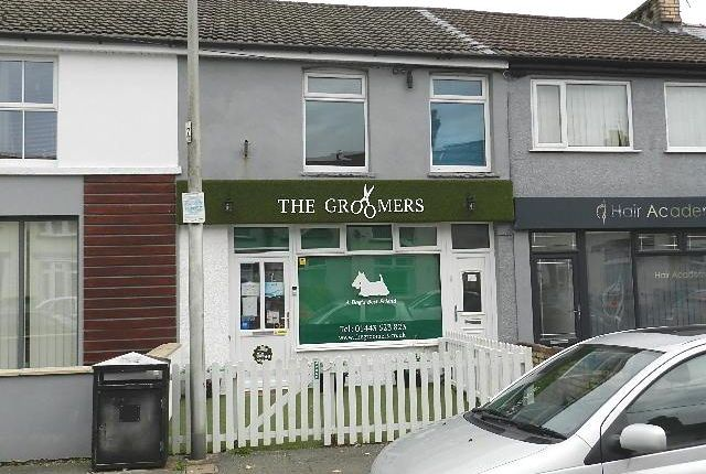 Thumbnail Retail premises for sale in Commercial Street, Tynant, Beddau