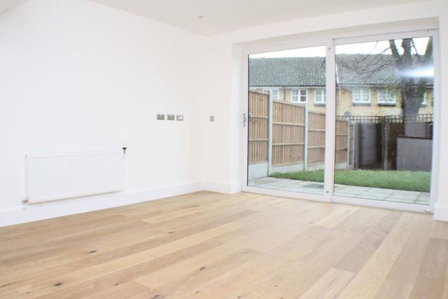 Thumbnail Property to rent in Commerell Street, Greenwich
