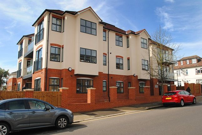 Thumbnail Flat to rent in Bonneville Coourt, Deyncourt Gardens, Upminster