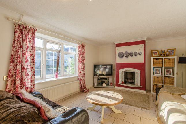 Picture No. 15 of Siddons Road, Stevenage, Hertfordshire SG2