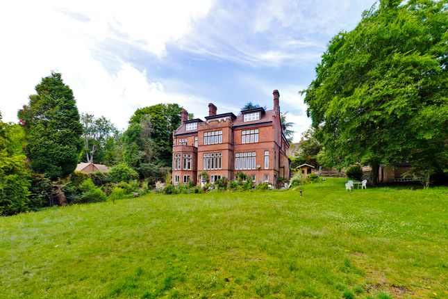 Thumbnail Flat for sale in Castle Hill, Farnham