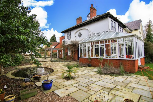 Thumbnail Property for sale in Highfield Close, Monmouth