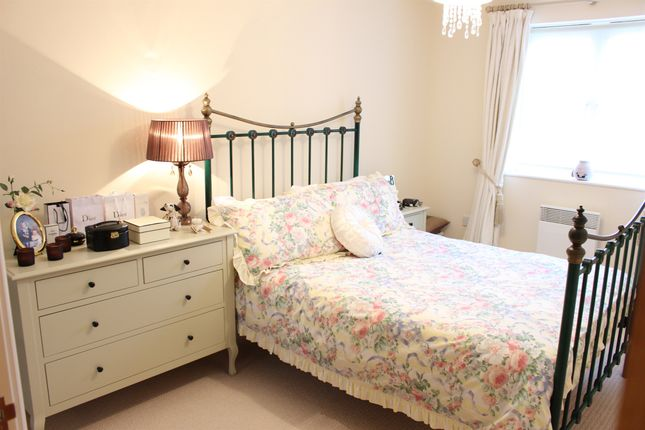 Thumbnail Flat for sale in Rowsby Court, Pontprennau, Cardiff