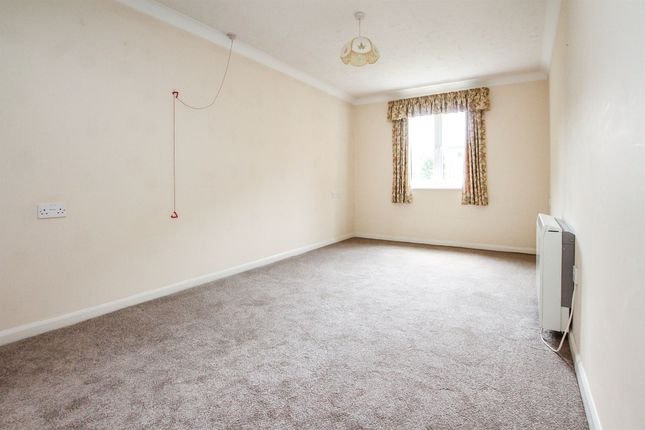 Thumbnail Flat for sale in St. Peters Close, Hove