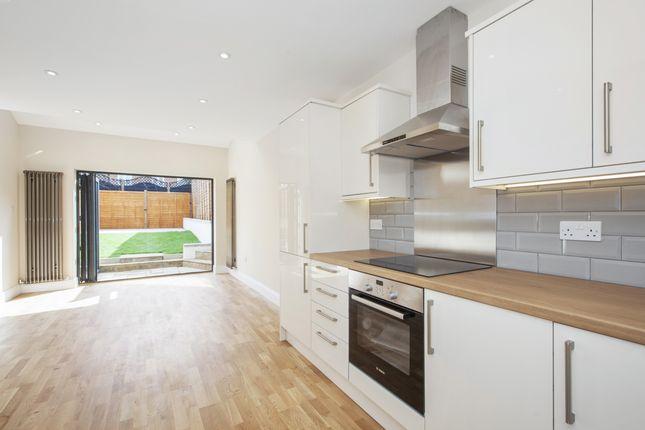 Thumbnail Terraced house to rent in Albert Street, Maidenhead