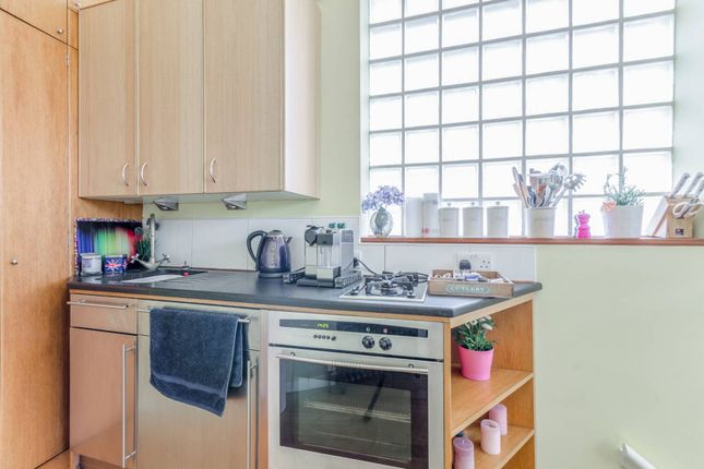 Thumbnail Property to rent in Gillespie Road, Arsenal