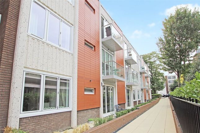 2 bed flat for sale in Knoll Rise, Orpington, Kent BR6