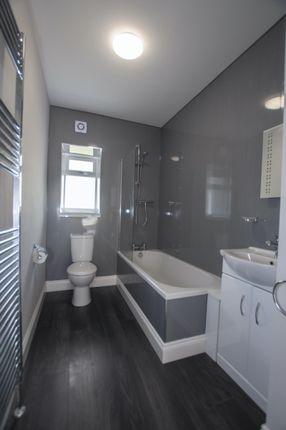 Bathroom of 140 West Stirling Street, Alva, Clackmannanshire 5En, UK FK12