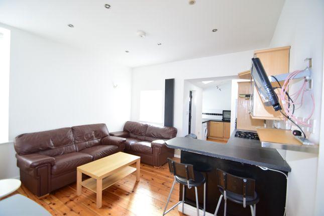Thumbnail Flat to rent in Simonside Terrace, Heaton