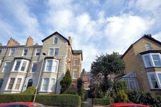 2 bed maisonette to rent in Trinity Road, Scarborough YO11