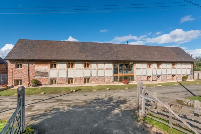 4 bed barn conversion for sale in Russell Street, Great Comberton, Pershore, Worcestershire WR10