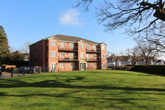 2 bed flat to rent in Clayton Road, Coventry