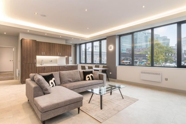 Thumbnail Flat to rent in St James' Court, Lionel Street