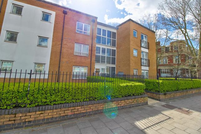 Thumbnail Flat for sale in Flat, Candlelight Court, Romford Road, London
