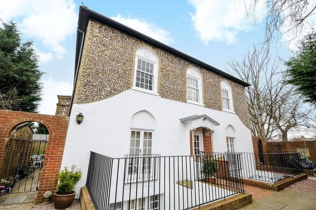 1 bed flat to rent in St. Pauls Road, Chichester PO19