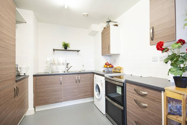 1 bed flat for sale in Woodberry Grove, Stoke Newington, London N4