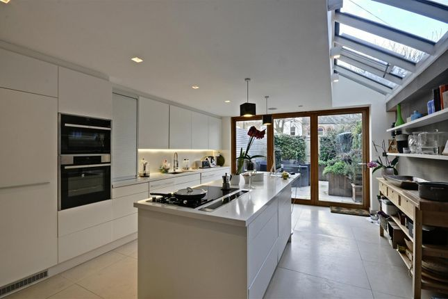 Thumbnail Property to rent in Beaumont Road, London
