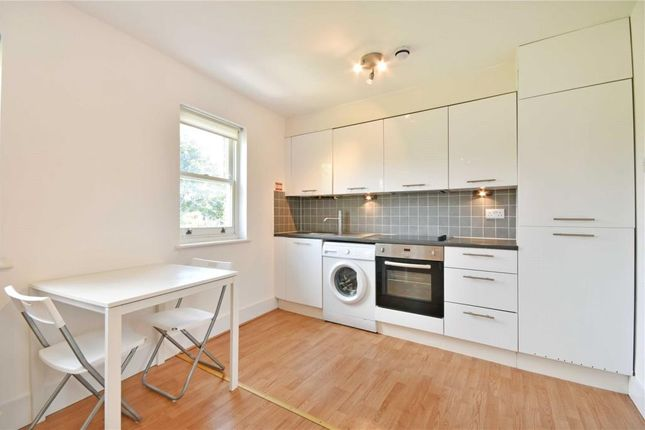 Thumbnail Property to rent in Courthill Road, Lewisham