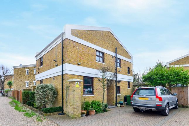 Thumbnail Property to rent in Wickham Mews, Brockley