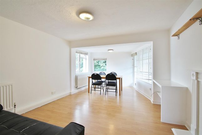 Thumbnail Flat to rent in The Avenue, St Margarets, Twickenham