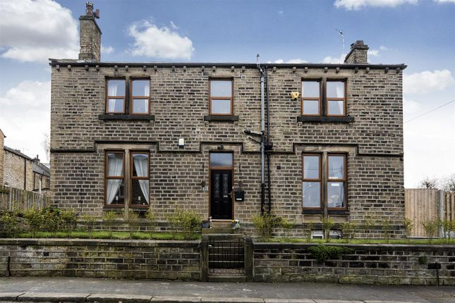 4 bed detached house for sale in Pickford Street, Milnsbridge, Huddersfield