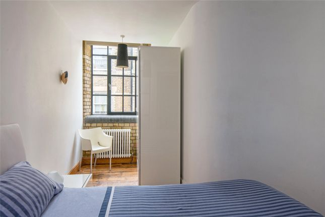Picture of Pear Tree Court, London EC1R