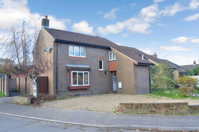 5 bed terraced house for sale in Redditch Close, Bewbush