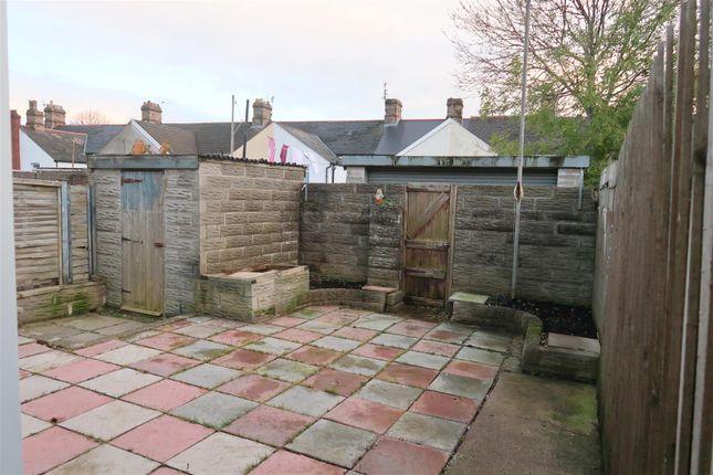 Garden Space of Gradon Close, Barry CF63