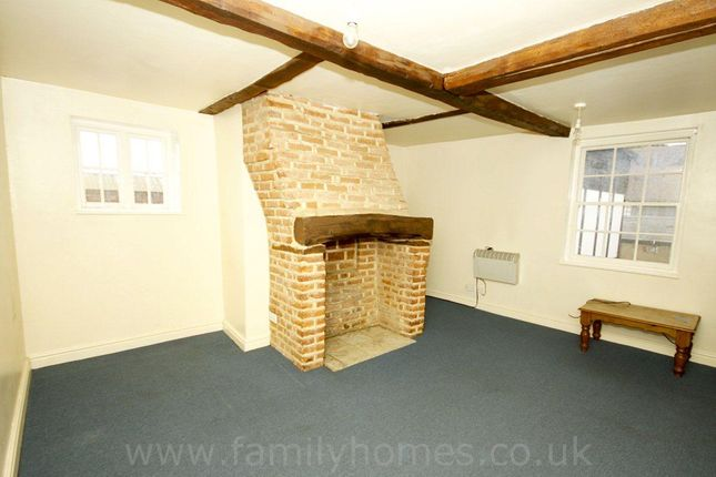 Thumbnail Flat to rent in West Street, Faversham
