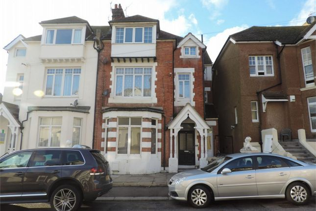 Thumbnail Flat to rent in Eversley Road, Bexhill On Sea, East Sussex