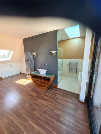 Thumbnail Semi-detached house to rent in Court Way, London
