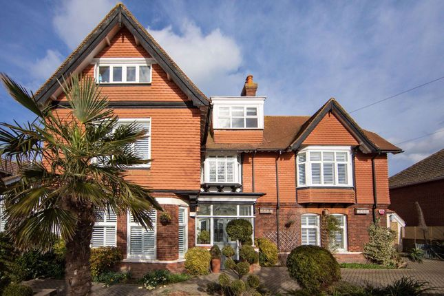 Awe Inspiring Homes To Let In Kent Rent Property In Kent Primelocation Interior Design Ideas Inesswwsoteloinfo