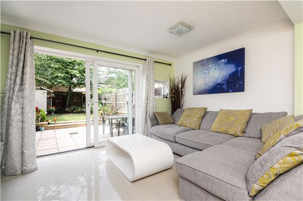 Thumbnail Town house for sale in Napier Avenue, London