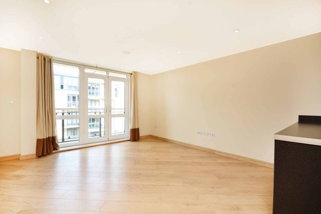 Thumbnail Flat to rent in The Bars, Guildford