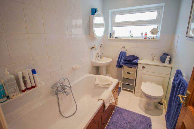 Bathroom of Pool Close, Pattishall, Towcester NN12